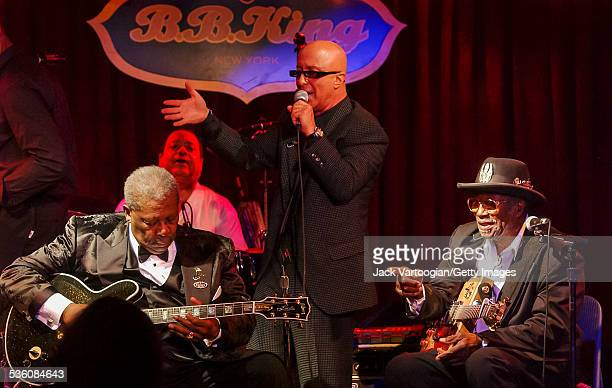 Bandleader Paul Shaffer introduces American Blues musicians BB King and Bo Diddley at the Second Anniversary Celebration of the BB King Blues Club...