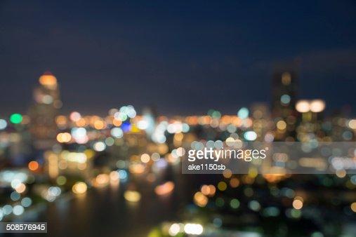 Paesaggio urbano di Bangkok al crepuscolo, sfocato bokeh foto : Foto stock