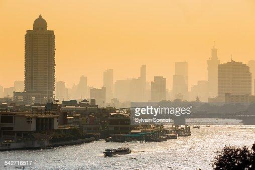 Bangkok, sunrise on the Chao Phraya River