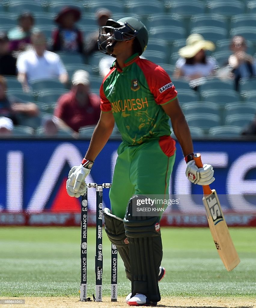 Bangladesh's batsman Mahmudullah reacts as he fails to connect a ball off England paceman Stuart Broad (not pictured) during the Pool A 2015 Cricket World Cup match between Bangladesh and England at the Adelaide Oval on March 9, 2015. AFP PHOTO / Saeed KHAN USE--