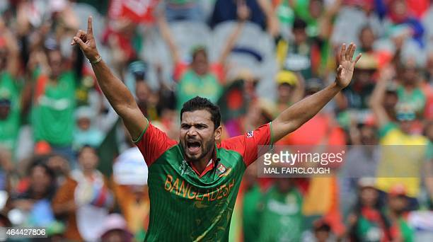 Bangladesh's Mashrafe Mortaza appeals unsuccessfully during the Pool A 2015 Cricket World Cup match between Sri Lanka and Bangladesh at the Melbourne...