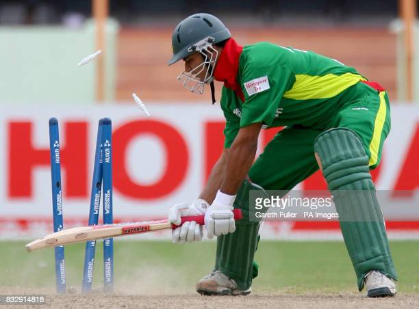 Bangladesh's Mashrafe Mortaza is claen bowled by South Africa's Andre Nel during the ICC Cricket World Cup Super Eight match at the National Stadium...