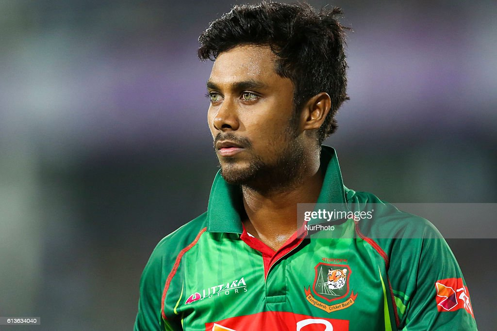 Bangladesh v England - 2nd One Day International : News Photo