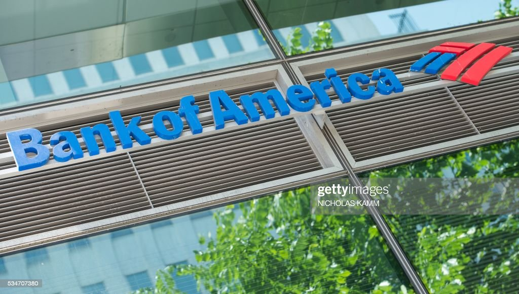 A Bank of America branch is seen in Washington, DC, on May 27, 2016. A US appeals court threw out a nearly $1.3 billion penalty against Bank of America earlier this week, concluding the bank had not committed fraud amid the housing bust. / AFP / Nicholas Kamm