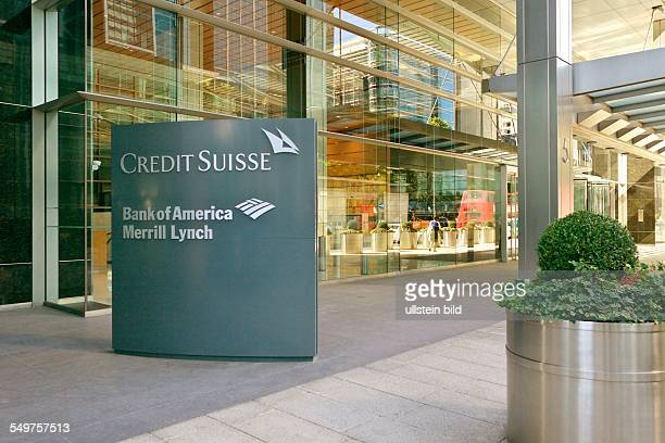 Bankenviertel Canary Wharf London Eingang zu 'Credit Suisse' 'Bank of America' und 'Merrill Lynch'
