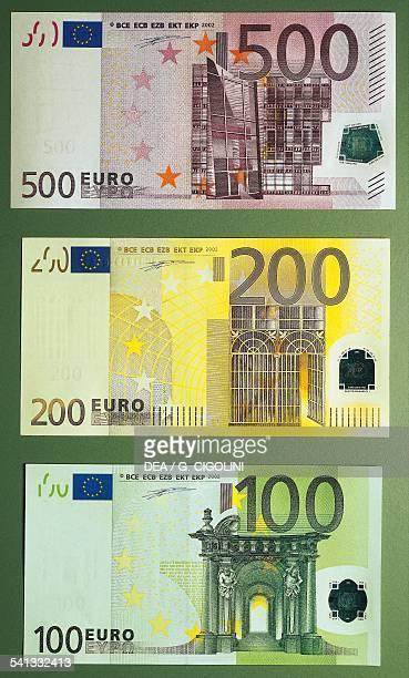 Banknotes of 100 500 euro reverse Europe 21st century