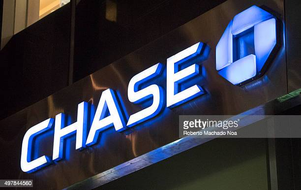 Banks in New York Chase bank signage and logo on its building in New York City JPMorgan Chase Bank NA doing business as Chase is a national bank that...