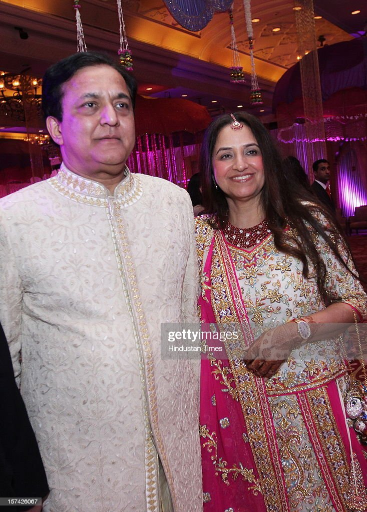 YES Banks's founder Rana Kapoor with his wife Bindu Kapoor during the marriage reception of their elder daughter at Taj Palace on November 30, 2012 in New Delhi, India. Kapoor is the MD & CEO of YES Bank, which is the 4th largest private sector bank in the country.