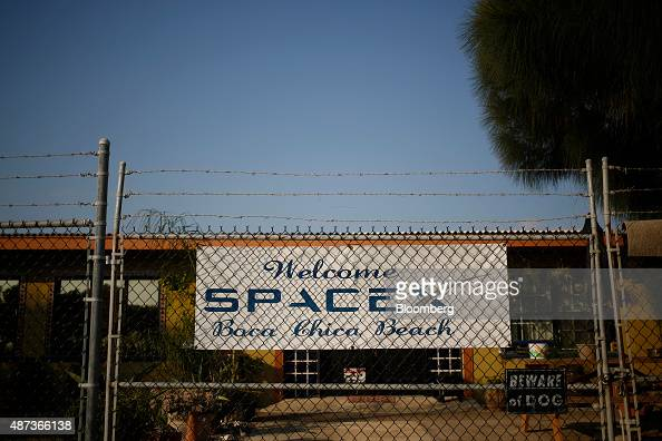 A banner is displayed in support of SpaceX by a resident of the village of Boca Chica in Brownsville Texas US on Thursday Aug 27 2015 SpaceX's plan...