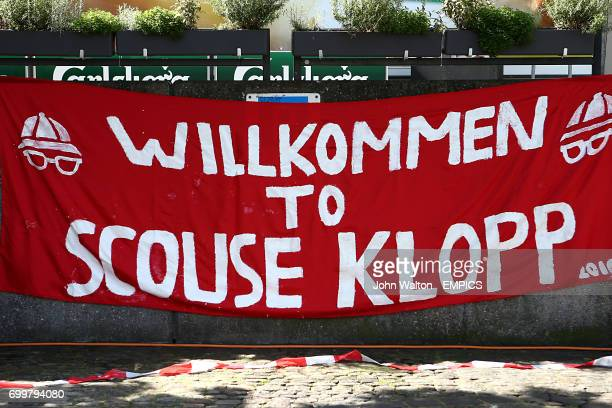 A banner welcoming Liverpool fans in Sevilla