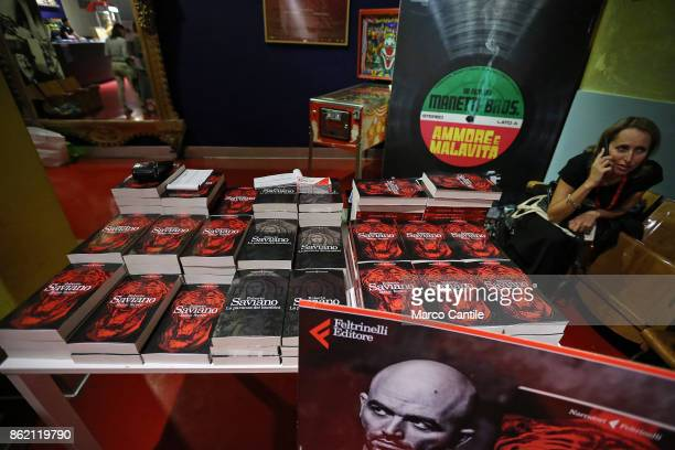 A banquet with copies of Roberto's new book 'Bacio Feroce' ready to be signed by author
