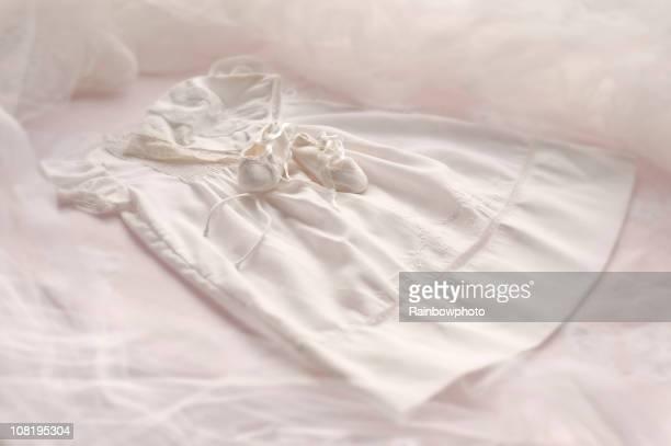 Robe de baptême & bonnet et chaussons