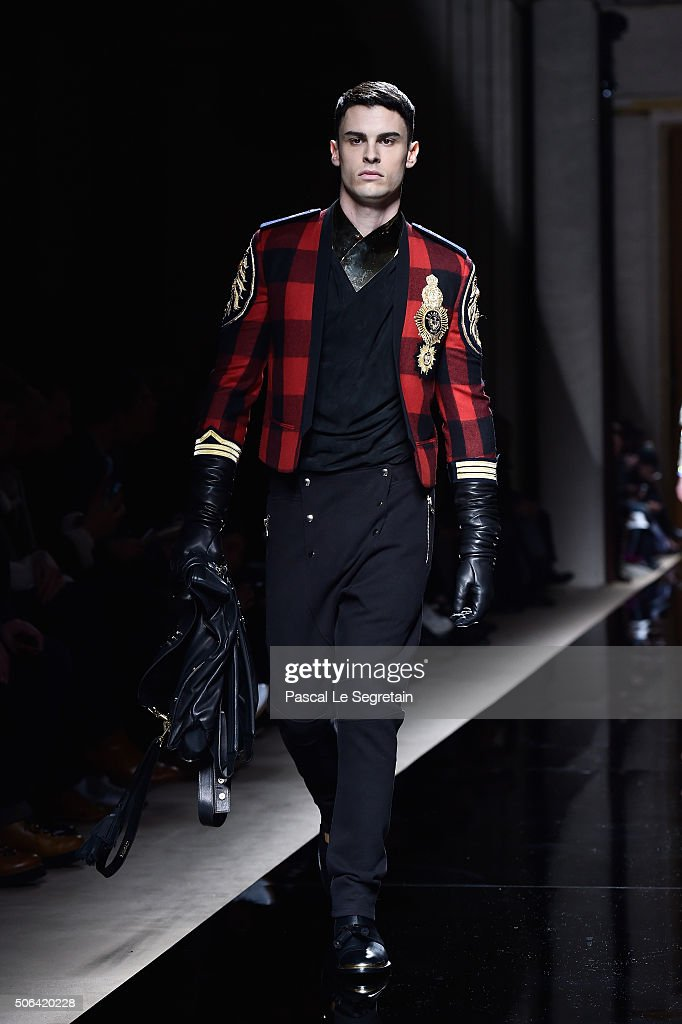 Balmain : Runway - Paris Fashion Week - Menswear F/W 2016-2017