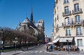 Bar and Notre-Dame