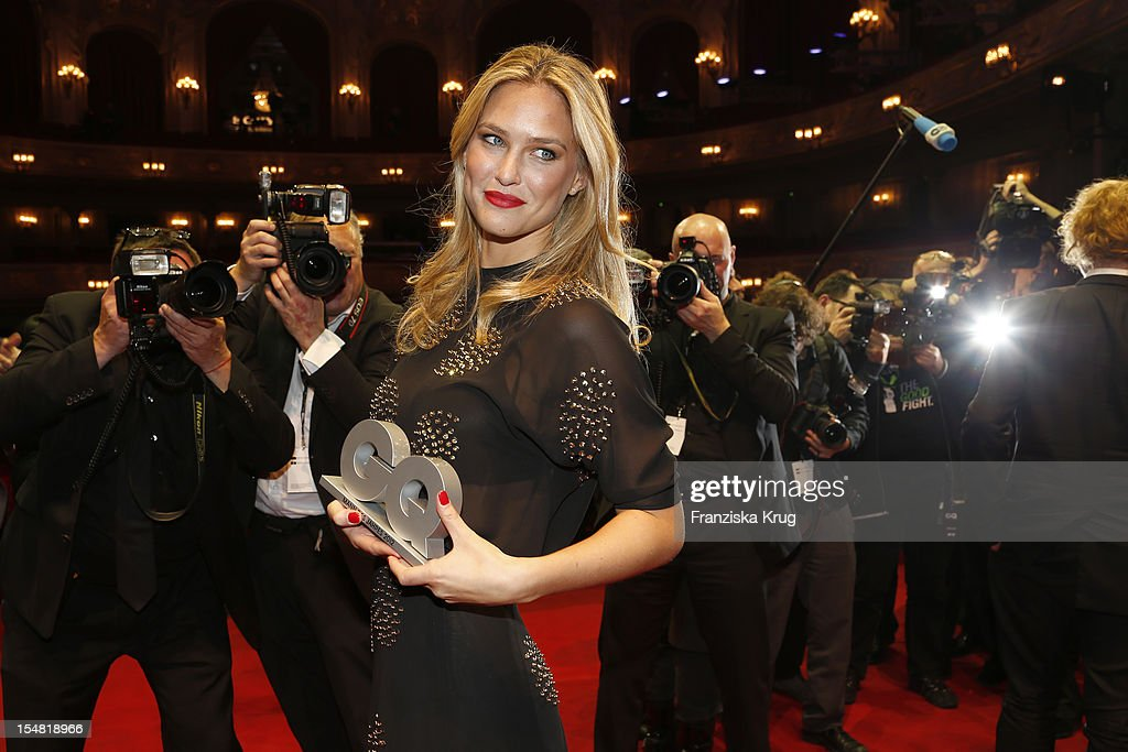 <a gi-track='captionPersonalityLinkClicked' href=/galleries/search?phrase=Bar+Refaeli&family=editorial&specificpeople=468932 ng-click='$event.stopPropagation()'>Bar Refaeli</a> attends the 'GQ Maenner des Jahres 2012' (GQ Men Of The Year Award 2012) at Komische Oper Berlin on October 26, 2012 in Berlin, Germany.