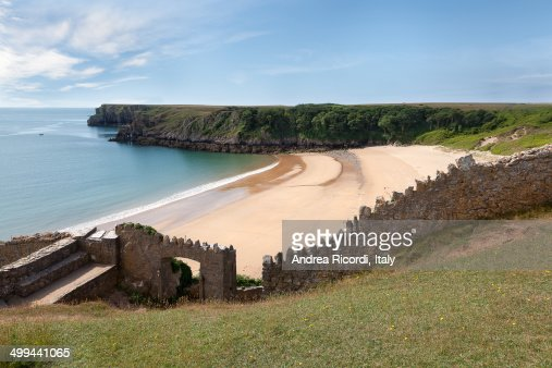 Barafundle Bay, secluded beach in Wales