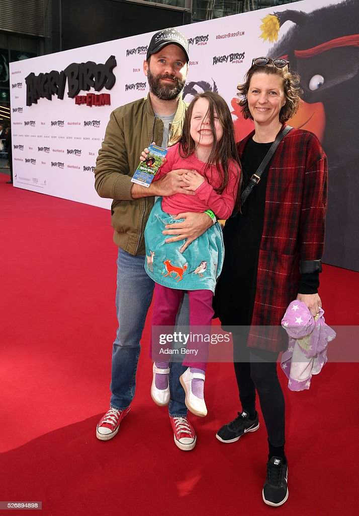 Baran Bo Odar (L) attends the premiere of 'Angry Birds - Der Film' on May 01, 2016 in Berlin, Berlin.