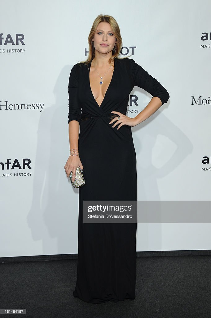 <a gi-track='captionPersonalityLinkClicked' href=/galleries/search?phrase=Barbara+Berlusconi&family=editorial&specificpeople=2220402 ng-click='$event.stopPropagation()'>Barbara Berlusconi</a> attends the amfAR Milano 2013 Gala Dinner as part of Milan Fashion Week Womenswear Spring/Summer 2014 at La Permanente on September 21, 2013 in Milan, Italy.
