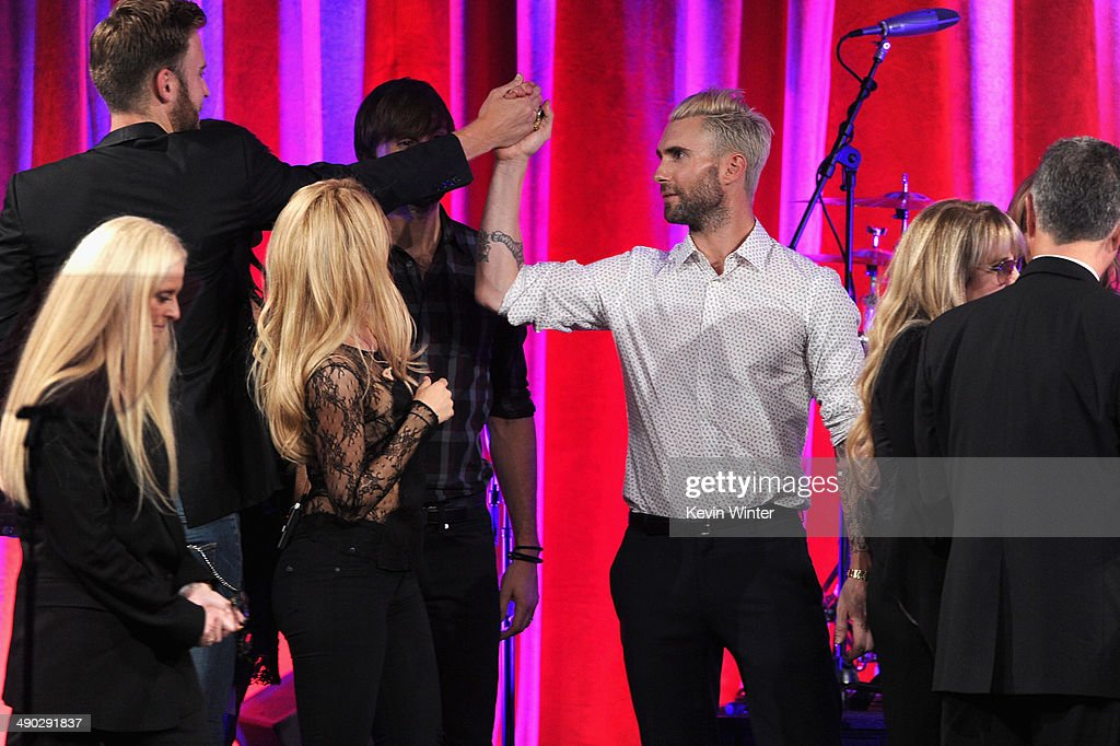 Barbara Cane, BMI VP & General Manager, Writer/Publisher Relations, singers Charles Kelley, Shakira, Dave Haywood, Adam Levine of Maroon 5 and Del Bryant, BMI President present the 2014 BMI Icon Award to singer-songwriter Stevie Nicks (2nd from right) onstage at the 62nd annual BMI Pop Awards at the Regent Beverly Wilshire Hotel on May 13, 2014 in Beverly Hills, California.