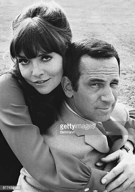 Barbara Feldon and Don Adams as agent 99 and Maxwell Smart in a scene from Get Smart the TV series
