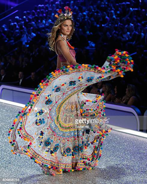 Barbara Fialho walks the runway during the 2016 Victoria's Secret Fashion Show at Le Grand Palais on November 30 2016 in Paris France