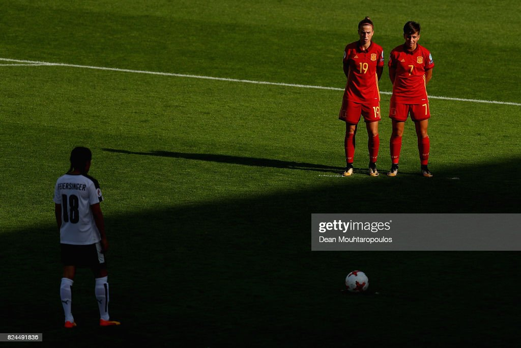 Barbara Latorre of Spain and Marta Corredera of Spain create a wall as Laura Feiersinger of Austria prepares to take a freekick during the UEFA Women's Euro 2017 Quarter Final match between Austria and Spain at Koning Willem II Stadium on July 30, 2017 in Tilburg, Netherlands.