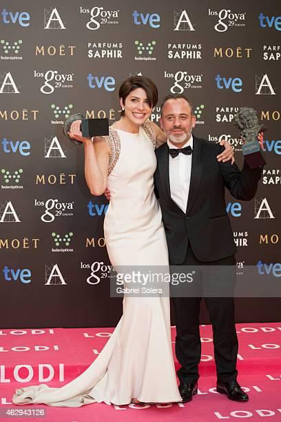 Barbara Lennie and Javier Gutierrez hold their award during the 2015 edition of the Goya Cinema Awards at Centro de Congresos Principe Felipe on...