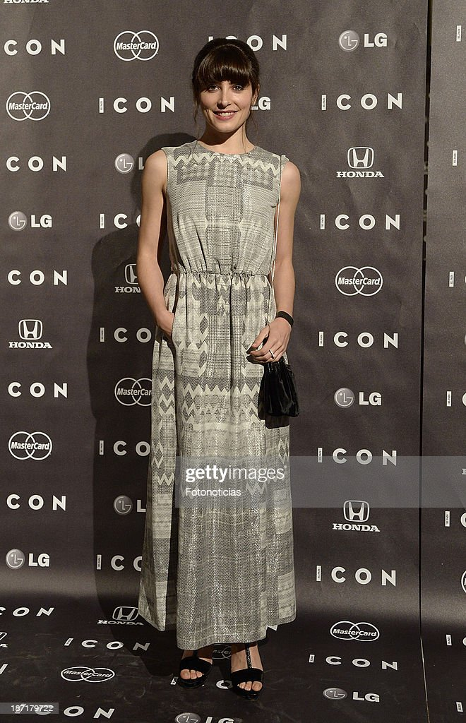 <a gi-track='captionPersonalityLinkClicked' href=/galleries/search?phrase=Barbara+Lennie&family=editorial&specificpeople=789471 ng-click='$event.stopPropagation()'>Barbara Lennie</a> attends 'Icon' magazine launch party at the Circulo de Bellas Artes on November 6, 2013 in Madrid, Spain.