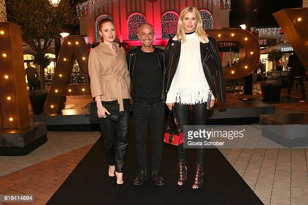 Barbara Meier Peyman Amin and Lena Gercke during the society shopping event at Ingolstadt Village on October 26 2016 in Ingolstadt Germany