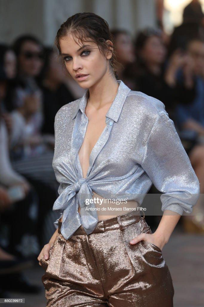 Barbara Palvin walks the runway at the Alberta Ferretti show during Milan Fashion Week Spring/Summer 2018 on September 20, 2017 in Milan, Italy.