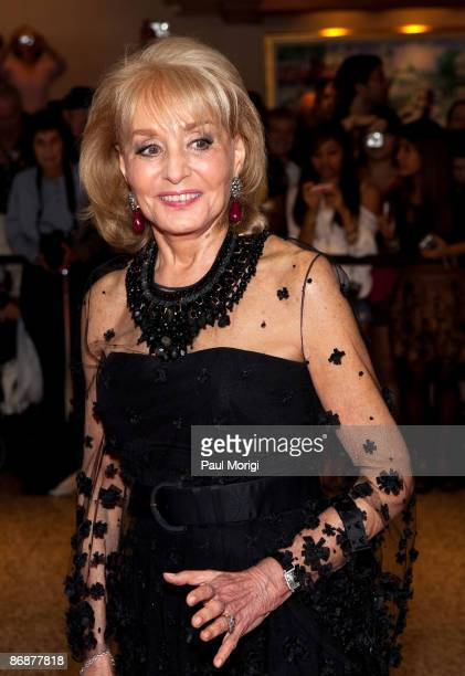Barbara Walters arrives at the 2009 White House Correspondents' Association Dinner at Washington Hilton on May 9 2009 in Washington DC