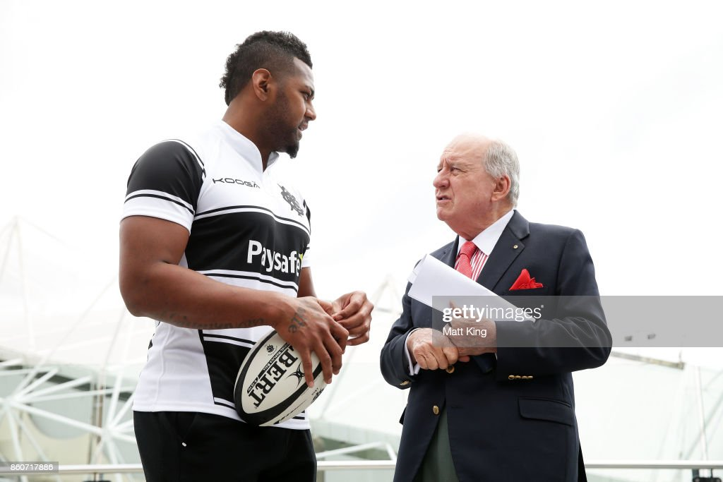 Barbarians coach Alan Jones speaks to Taqele Naiyaravoro during a Wallabies & Barbarians Media Opportunity at Sydney Cricket Ground on October 13, 2017 in Sydney, Australia.