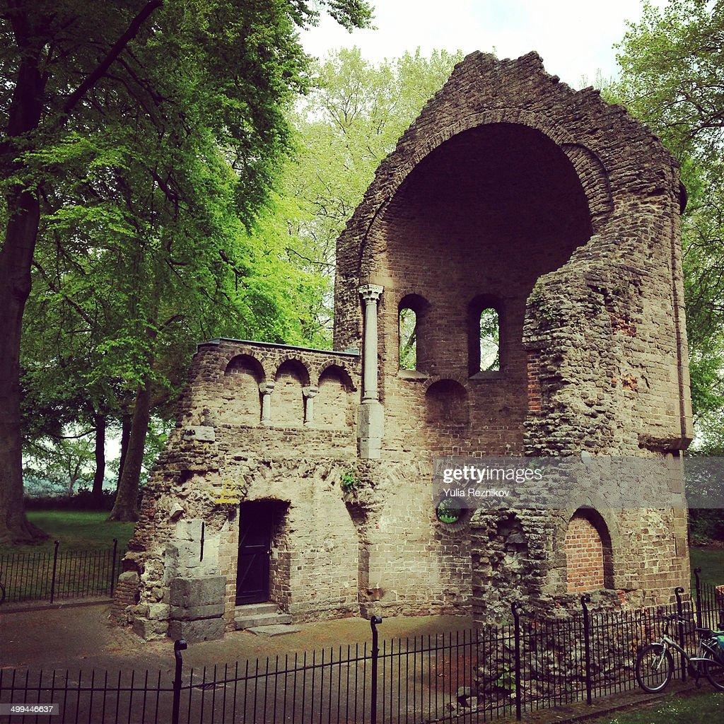CONTENT] Barbarossa Ruine Castle the Valkhof 'Kasteel het Valkhof' in Nijmegen The site of the castle is in the oldest city in the NetherlandsNijmegen