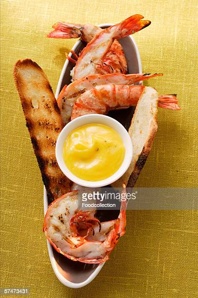 Barbecued shrimps with aioli