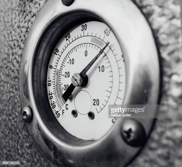 barbeque temperature gauge