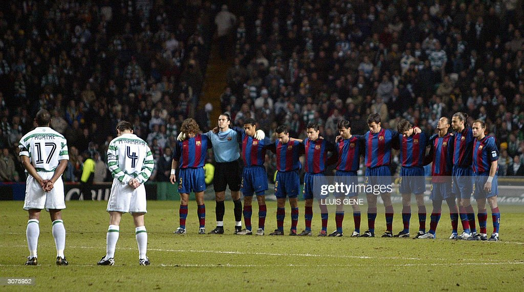 Hilo del FC Barcelona Barcelona-and-celtic-players-pause-for-a-moment-of-silence-to-rember-picture-id3075952