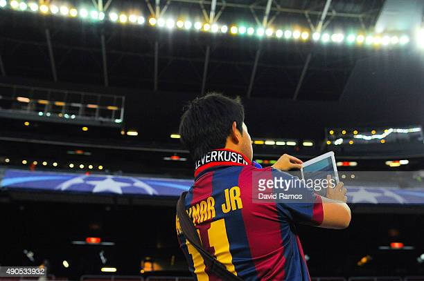 Barcelona fan takes a selfie ahead of a UEFA Champions League Group E match between FC Barcelona and Bayer 04 Leverkusen on September 29 2015 in...