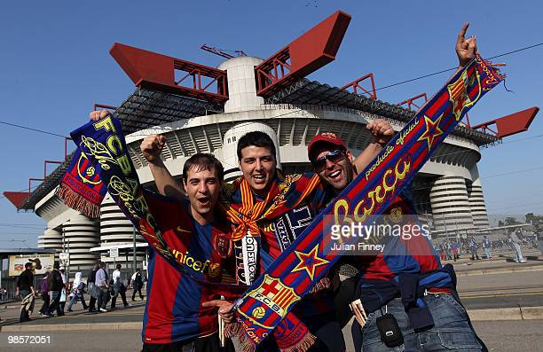 Barcelona fans arrive at the San Siro before the UEFA Champions League Semi Final 1st Leg match between Inter Milan and Barcelona at the San Siro on...