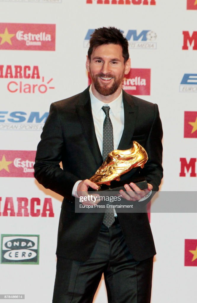 Lionel Messi Receives 'Bota de Oro' Award in Barcelona