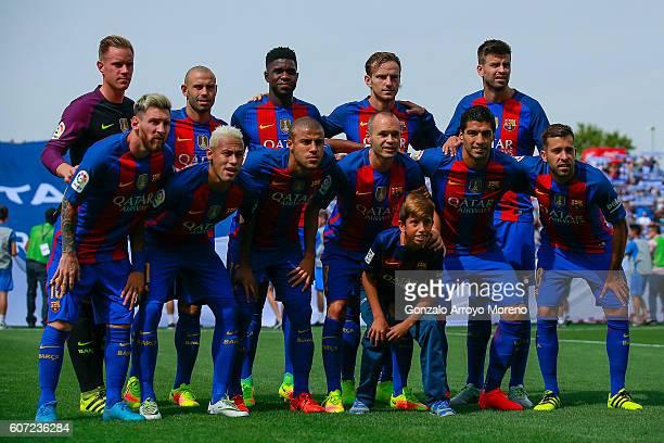 Barcelona line up prior to start the La Liga match between Deportivo Leganes and FC Barcelona at Estadio Municipal de Butarque on September 17 2016...