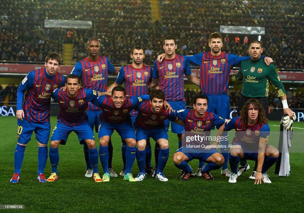 Barcelona line up prior to the la Liga match between Villarreal and Barcelona at El Madrigal on January 28, 2012 in Villarreal, Spain.