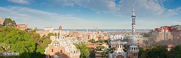 Barcelona Parc Güell Gaudí Sonnenuntergang Stadtansicht mediterranen panorama Katalonien, Spanien