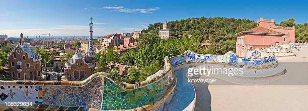 Parc Güell in Barcelona von Gaudi Wahrzeichen Gärten mosaic terrace Katalonien, Spanien