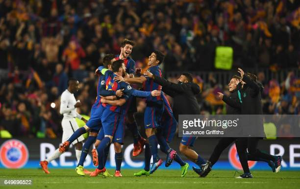 Barcelona players celebrate victory after the UEFA Champions League Round of 16 second leg match between FC Barcelona and Paris SaintGermain at Camp...