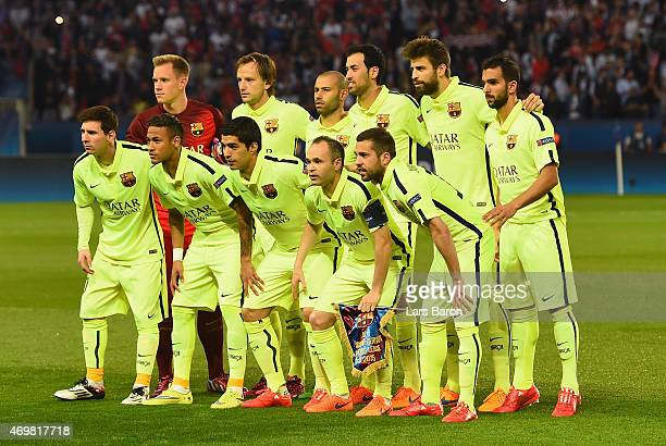 Barcelona pose for a team photograph during the UEFA Champions League Quarter Final First Leg match between Paris SaintGermain and FC Barcelona at...