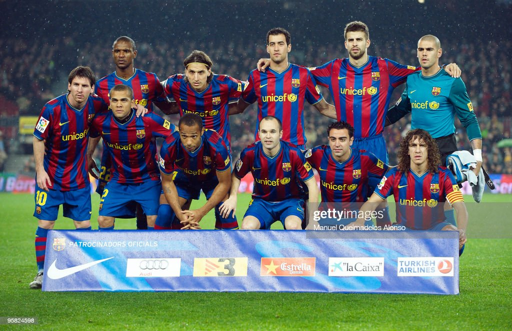 FC Barcelona poses for a team picture prior to the start ofthe La Liga match between Barcelona and Sevilla at the Camp Nou stadium on January 16, 2010 in Barcelona, Spain. Barcelona won 4-0.