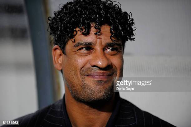 Barcelona 's Dutch manager Frank Rijkaard smiles before the start of the La Liga match between Murcia and Barcelona at the Nueva Condomina stadium on...