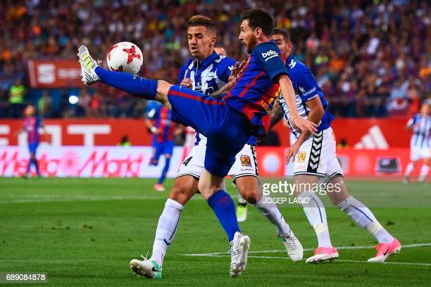 Barcelona's Argentinian forward Lionel Messi controls the ball during the Spanish Copa del Rey final football match FC Barcelona vs Deportivo Alaves...