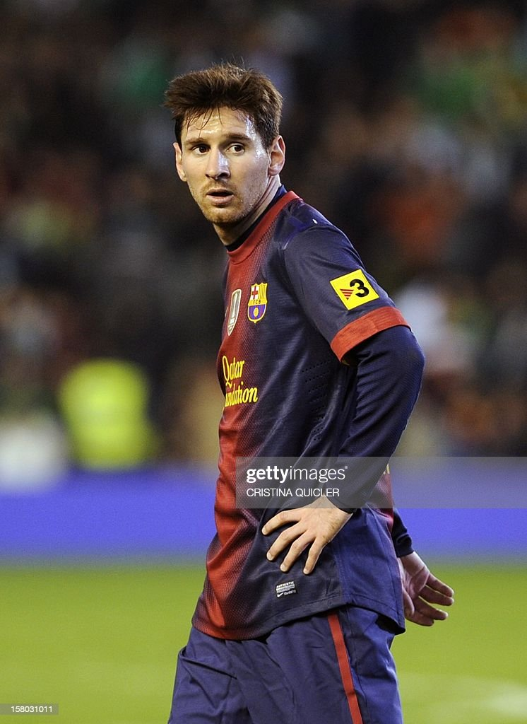 Barcelona's Argentinian forward Lionel Messi gestures during the Spanish league football match Real Betis vs Barcelona at the Benito Villamarin stadium in Sevilla on December 9, 2012.