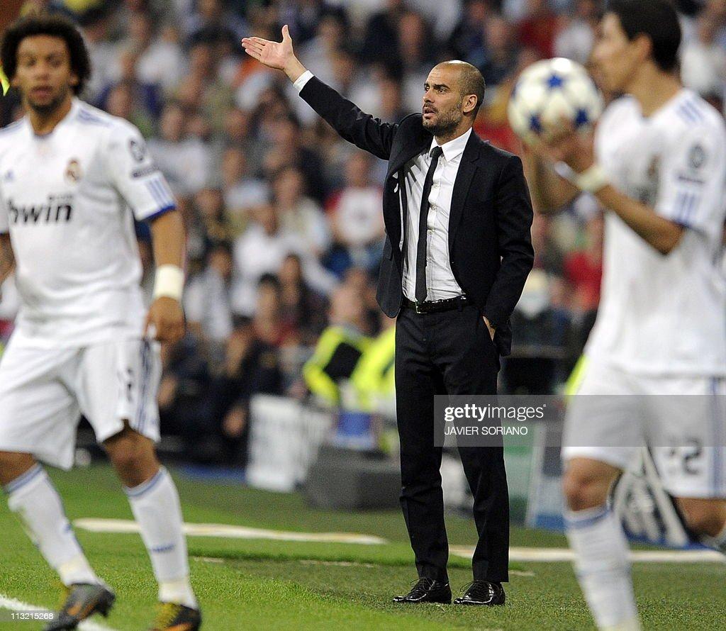 Barcelona's coach Josep Guardiola gestur : News Photo